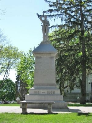 Civil War Monument image. Click for full size.