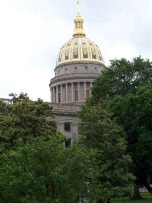 State Capitol and its gold dome image. Click for full size.