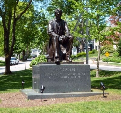 Statue of Abraham Lincoln image. Click for full size.