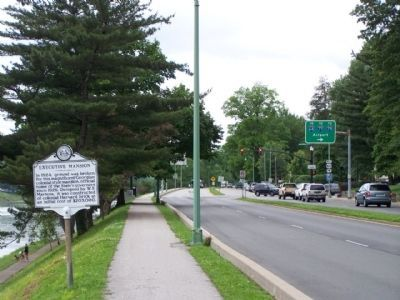 Executive Mansion Marker, looking west along Kanawha Blvd East image. Click for full size.