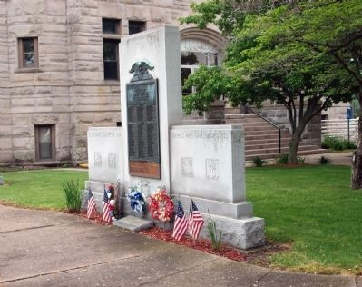Full View - - Pulaski County Honor Roll Memorial Marker image. Click for full size.