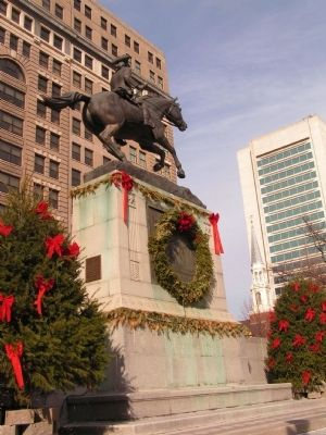 Caesar Rodney Monument Decorated for Christmas image. Click for full size.