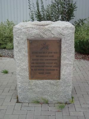 Alaska Highway Marker (right) image. Click for full size.