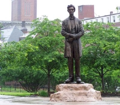 """Lincoln - The Man"" Statue image. Click for full size."
