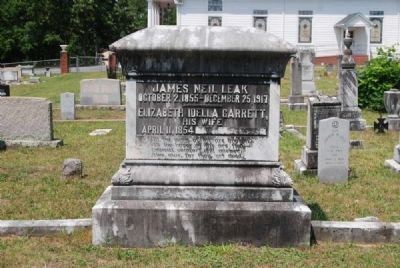 James Neil Leak & Elizabeth Idella Garrett Tombstone image. Click for full size.