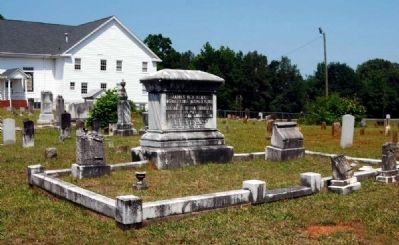 James Neil Leak Family Plot image. Click for full size.
