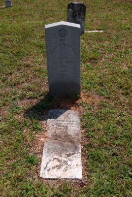 Pvt. Lewis Robertson Tombstone<br>and Original Tombstone image. Click for full size.