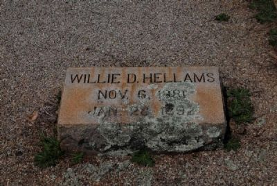 Willie D. Hellams Tombstone image. Click for full size.