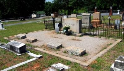 Pvt. John R. Hellams Family Plot image. Click for full size.