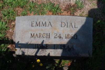 Emma Dial Tombstone image. Click for full size.