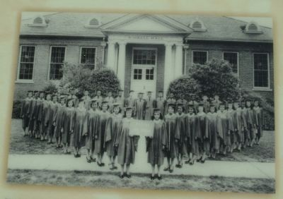 Graduation Photo 1943 image. Click for full size.