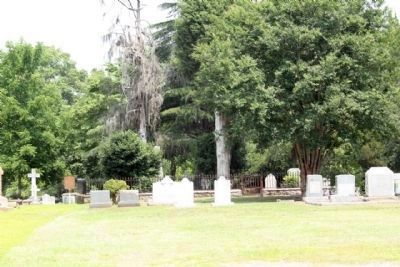 Joel Roberts Poinsett Marker (L) at Church of the Holy Cross Cemetery image. Click for full size.