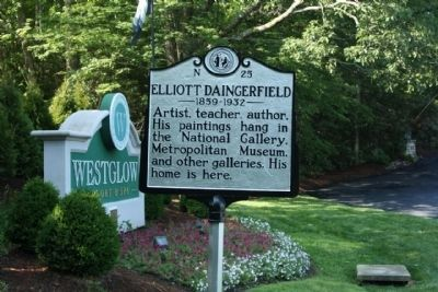 Elliott Daingerfield Marker, near the Westglow Resort and Spa sign image. Click for full size.
