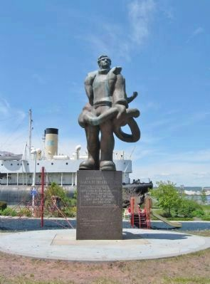 Nearby Seaman's Memorial Statue image. Click for full size.