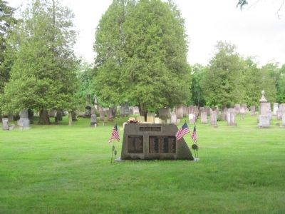 Roxbury Veterans Monument and the Roxbury Center Cemetery image. Click for full size.