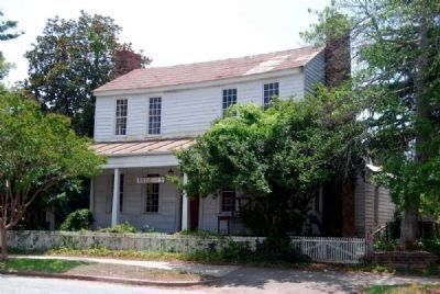 Shillito House (ca. 1834)<br>204 South Main Street image. Click for full size.
