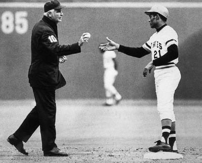 Roberto Clemente's 3000th Hit image. Click for full size.