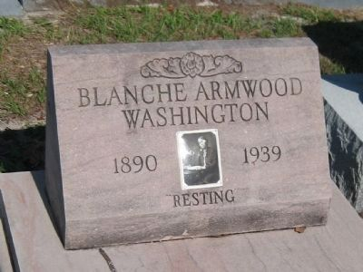 Grave of Blanche Armwood Washington <small>(1890-1939)</small> image. Click for full size.