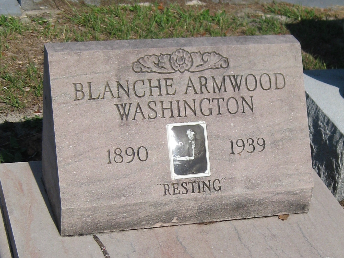 Grave of Blanche Armwood Washington <small>(1890-1939)</small>