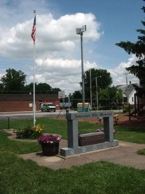 Full View - - Jamestown (Indiana) War Memorial Marker image. Click for full size.