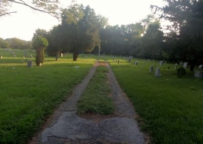 Road leading through the cemetery image. Click for full size.