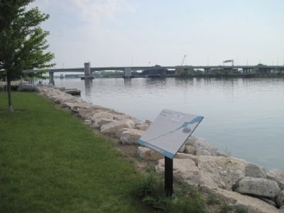 Marker, Fox River and Mason Street Bridge. image. Click for full size.