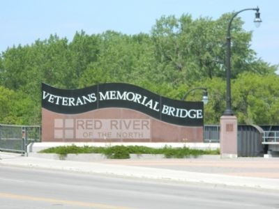 Veterans Memorial Bridge crossing the Red River of the North image. Click for full size.