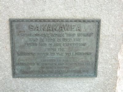 Sakakawea Statue Plaque image. Click for full size.