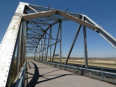 Rio Puerco Bridge image. Click for full size.
