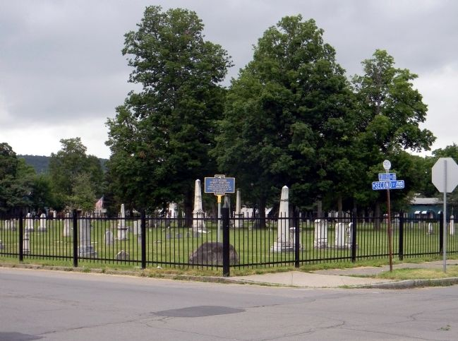 Wide view of the Old Second Street Cemetery Marker image. Click for full size.
