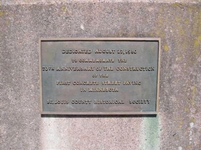 Dedication Plaque on Marker Pedestal image. Click for full size.