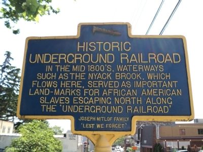 Historic Underground Railroad Marker image. Click for full size.