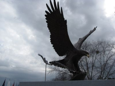 American Eagle sculpture image. Click for full size.