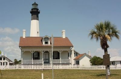 Tybee Lighthouse and Marker (R) image. Click for full size.