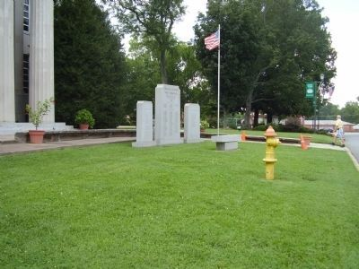 Lincoln County War Memorial image. Click for full size.
