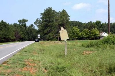 Old Quaker Road Marker, seen looking north along Waynesboro Highway GA-24 image. Click for full size.
