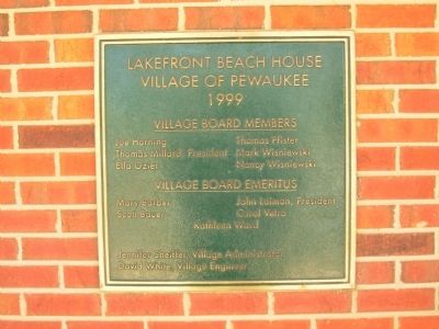 Lakefront Beach House Dedication Plaque image. Click for full size.