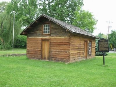 Early Settler's Cabin and Marker image. Click for full size.