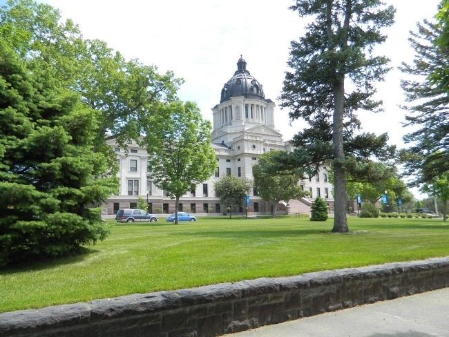 South Dakota State Capitol image. Click for full size.
