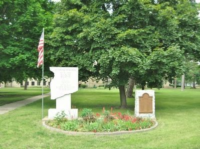 Veterans Memorial and Honor Roll image. Click for full size.