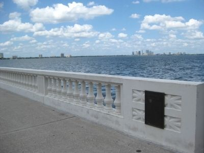 Southern end of Bayshore's Seawall and Sidewalk image. Click for full size.