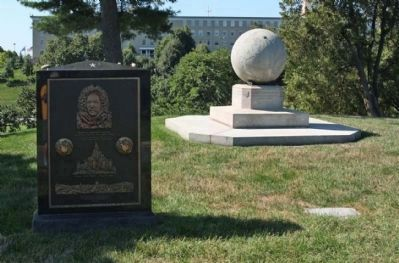 Robert Edwin Peary Marker and Matthew Henson Plaque at left image. Click for full size.