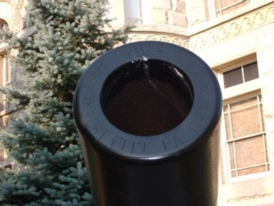 Muzzle - - East Cannon on Courthouse Lawn image. Click for full size.