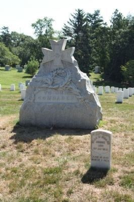 Spanish-American War Nurses Memorial back side image. Click for full size.