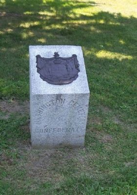 Washington Confederate Cemetery Boundry Marker with the Maryland Crest image. Click for full size.