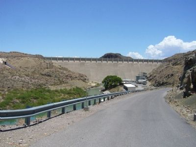 Elephant Butte Dam image. Click for full size.