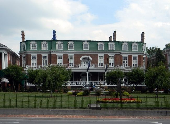 Martha Washington Inn Hotel and Spa (1832) image. Click for full size.