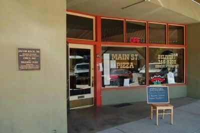 Formerly Keck's Trading Post, now a pizza parlor. image. Click for full size.
