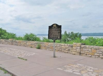 Lake Pepin and Marker image. Click for full size.