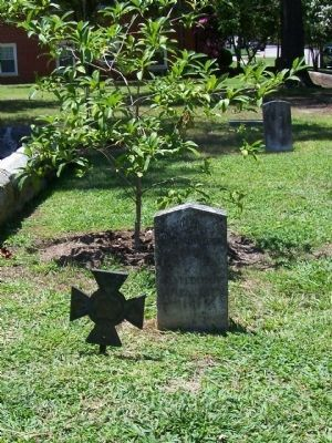 Old Town Cemetery, one such Confederate grave image. Click for full size.